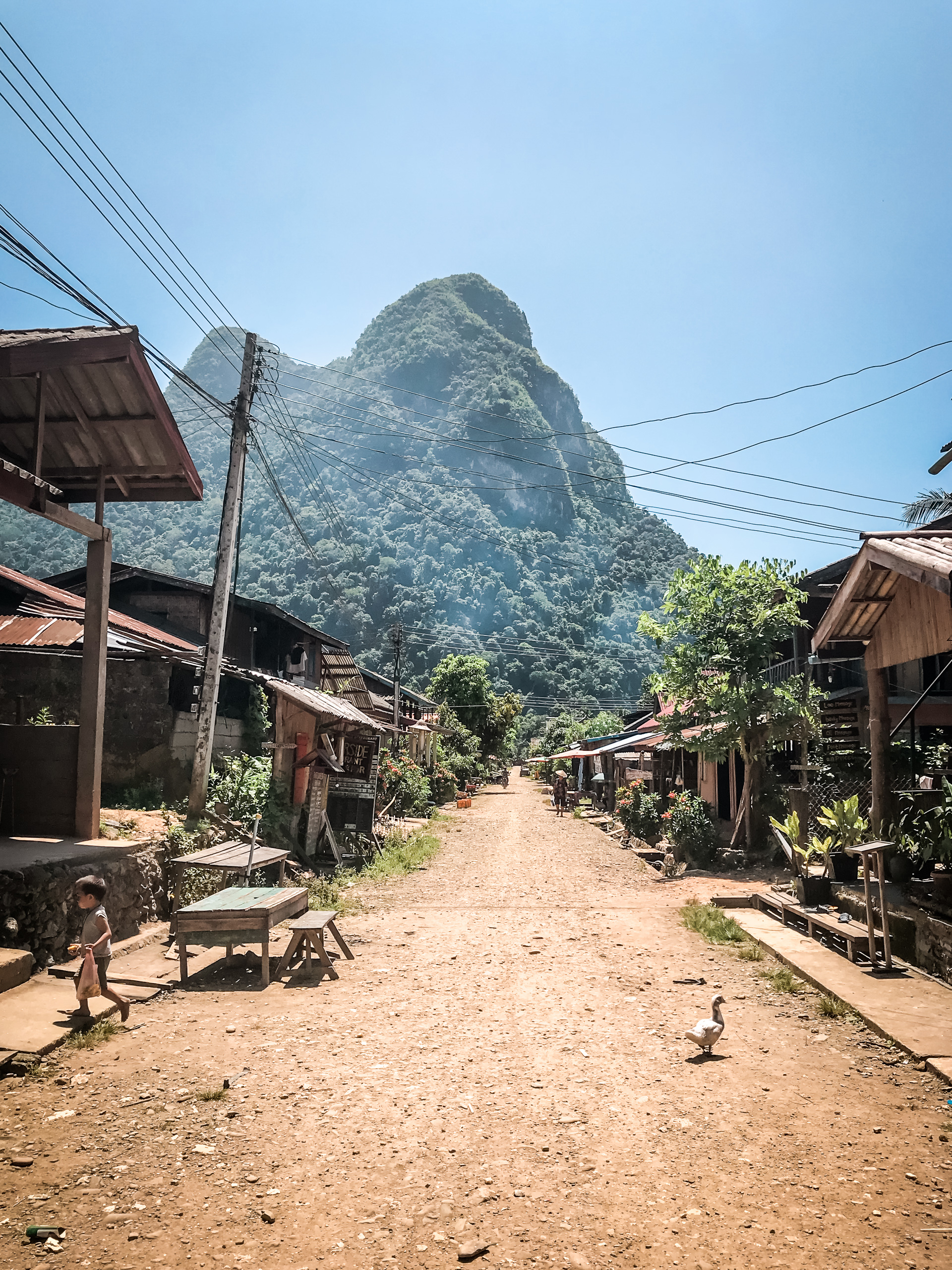Backpacker Trip durch Thailand und Laos - Mong Ngoi`s Hauptstrasse